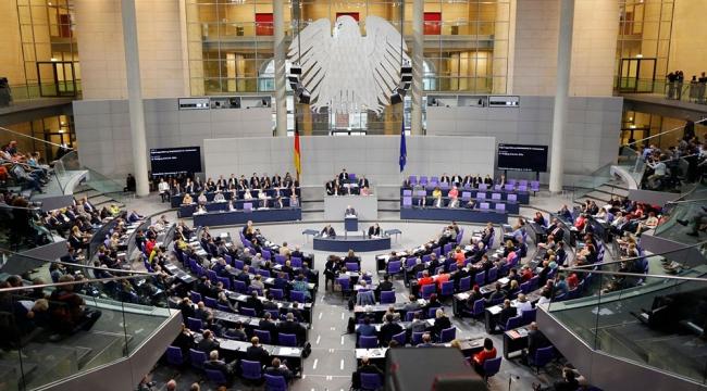 Almanya'da Müslümanlara karşı ırkçılık Meclis gündeminde