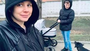 Sosyal medya fenomeni, üvey oğlundan çocuk sahibi oldu