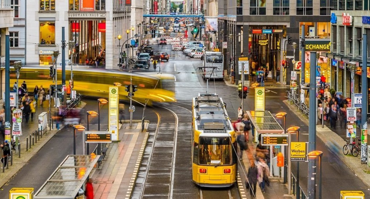 Almanya'da toplu ulaşım seferberliği