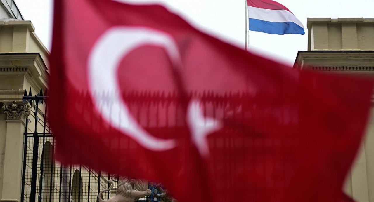'Hollandalı gençler Türkiye'de radikal vaizler tarafından eğitiliyor'