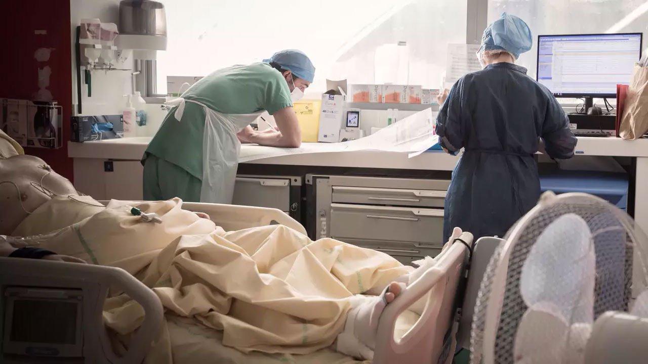 Dünyada koronavirüsten ölenlerin sayısı 2,5 milyonu geçti