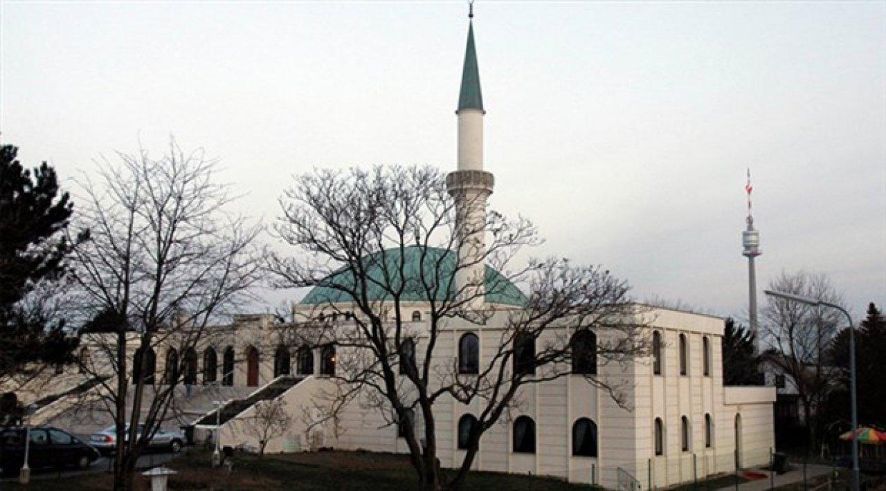 Avusturya camileri kapatıp, imamları sınır dışı edecek